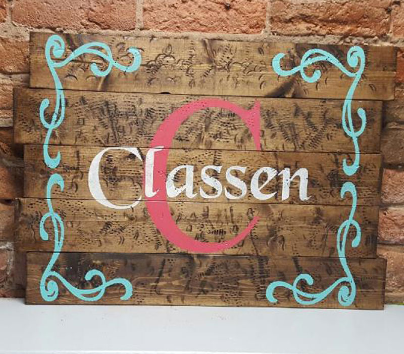 Personalized monogram with curly swirl border